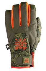 View the Rome Sanchez Gloves - Camo from the Mens clothing range online today from Boarderline